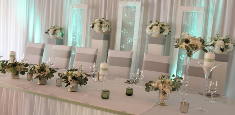 Hochzeitsdekoration in Greenery